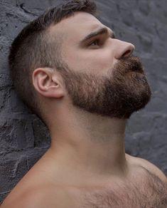 Beard Types: 5 Styles Based On Face Shape - Mens Hair Styles Scruffy Men, Hairy Men, Bearded Men, Handsome Man, Great Beards, Awesome Beards, Beard Styles For Men, Hair And Beard Styles, Hot Men