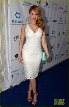 """Debby Ryan - Norma Jean Gala as she uses the patented,,(""""Dovely Lovely 🕊️ Dove Cameron"""")! Cross your hot legs and sexy little high heeled👣 Stance ! Hottest Female Celebrities, Beautiful Celebrities, Gorgeous Women, Celebs, Prettiest Actresses, Beautiful Actresses, Celebrity Beauty, Celebrity Dads, Celebrity Style"""
