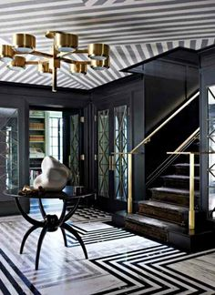 Love the drama of this entryway // Striped Ceiling Wallcovering Black Entry Hall - Kelly Wearstler Design - ELLE DECOR Interiores Art Deco, Interiores Design, Decoration Inspiration, Interior Inspiration, Decor Ideas, Design Inspiration, Hallway Ideas, Furniture Inspiration, Life Inspiration