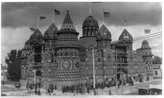 The Victorian era Corn Palace in South Dakota, above (its facade covered in 3,500 bushels of corn, or so the caption says).