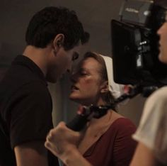 On the set of « Handmaid's Tale Tales Series, Tv Series, A Handmaids Tale, The Handmaid's Tale Book, Tv Show Couples, La Reproduction, Couple Drawings, Love Can, Episode 3