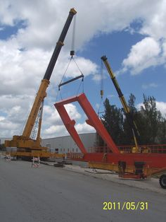 Standing up one leg of large gantry crane at Cemex plant on 137th AVe. This crane was used to move the panels for the Port of Miami tunnel around. Gold Coast Crane's 175 ton was on one leg, our 165 ton on the other, and our 240 ton set the girders.