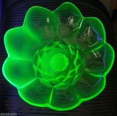Fine HUGE Uranium BOWL Footed HEAVY Vaseline GLASS Gorgeous FLORIFORM w/ Petals