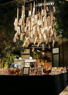 8 decorações aéreas com orquídeas para o casamento - Constance Zahn   Casamentos