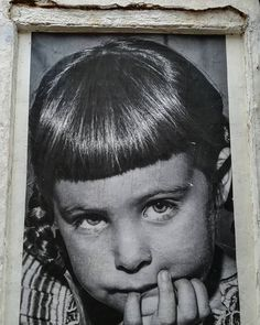Cosas que te encuentras por ahí (2). #streetphotography #streetart #photoshoot #photograph #photographer #instagramers #photography #spain #españa #picstitch #pic #picture #instagramhub #igers #igerspain Portrait, Instagram, Hipster Stuff, Headshot Photography, Portrait Paintings, Drawings, Portraits
