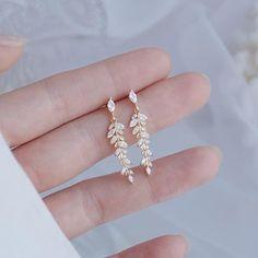 Swarovski, Tiny Stud Earrings, Women's Earrings, Fashion Earrings, Gold Plated Earrings, Bridal Jewelry, Wedding Jewelry Simple, Sparkly Jewelry, Delicate Jewelry