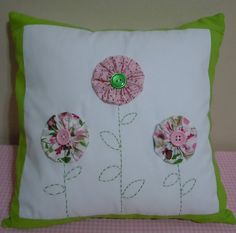 ~ Yo-yos Flower Pillow ~ I really like the embroidered stems and leaves. Cute Cushions, Scatter Cushions, Throw Pillows, Quilting Projects, Sewing Projects, Yo Yo Quilt, Wool Applique Patterns, Flower Pillow, Sewing Pillows