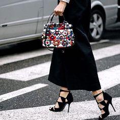 Fendi mini peekaboo bag #fendistreetstyle #floral #peekaboo #top #love @stylesightworldwide