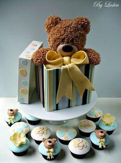 Teddy bear gift cake and cupcake