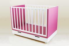 Constanza Crib convertible into toddler bed. Design by Valeria Tamayo.