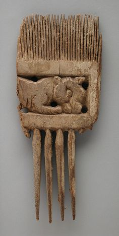 Wooden Comb Depicting a Lion (?) LACMA M.80.202.269 | by Fæ