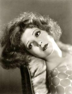 Clara Bow <3 1933 - Silent Films original  'It Girl'.
