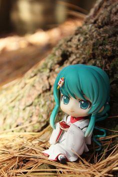 "No.303 雪ミク いちご白無垢Ver.『キャラクター・ボーカル・シリーズ01 初音ミク』 Snow Miku: Strawberry White Kimono Ver. ""Character Vocal Series 01: Hatsune Miku"" 2013年2月"