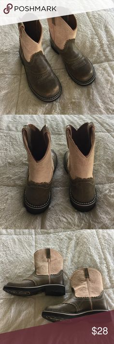 Like New! Ariat Cowgirl Boots Size Big Girls 5. A fabulously comfortable Cowgirl boot / work boot. My daughter only wore these once.. Ariat Shoes Boots