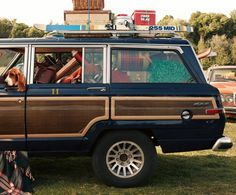 jeep grand wagoneer - i SO want one!