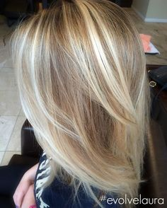 Welcome to Evolve Studio, our hair stylists offer an unique experience for both men & women. Light Blonde Hair, Blonde Hair With Highlights, Pretty Hair Color, Beautiful Hair Color, Short Hair Cuts, Short Hair Styles, Pixie Cuts, Mens Hair Salon, Hair Junkie