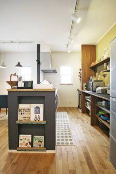 キッチン - 広い土間玄関のある家: ジャストの家が手掛けたtranslation missing: jp.style.キッチン.modernキッチンです。