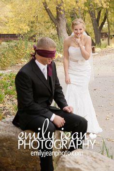 #firstlook #weddingphoto #emilyjeanphotography