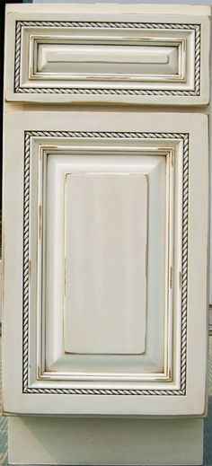 maple kitchen cabinet antique white glaze with distress finsih