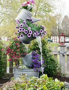 This post offers you instructions how to make stacked flower pots for the…