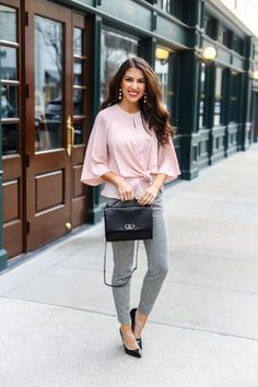 Today I am sharing a new Work Wear Style for your office and work attire heading into Spring.Today's style is perfect for winter to spring work wear outfit inspiration. Casual Work Wear, Classy Work Outfits, Business Casual Outfits For Women, Work Attire, Simple Outfits, Chic Outfits, Business Professional Dress, Professional Dresses, Grey Pants Outfit