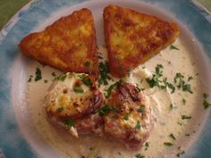 Schweinefilet in Bacon mit Frischkäsesoße überbacken Grilled pork fillet in bacon with cream cheese sauce, a great recipe from the category of gratinating. Baked Pork, Grilled Pork, Cream Cheese Sauce, Pork Fillet, Italy Food, Lard, Best Meat, How To Cook Pasta, Italian Recipes