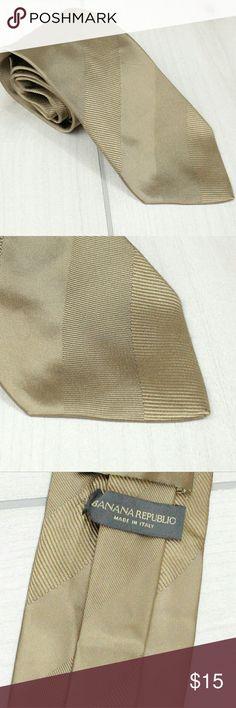 "Banana Republic Men's Gold Striped Tie 60"" Standard width Men's tie from Banana Republic  100% Silk 60"" length, 3-3/4"" width   GT2 Banana Republic Accessories Ties"