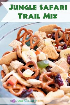 Jungle Safari Trail Mix is perfect for outings to the zoo, Jungle themed parties, a hike, or even a Disney themed snack (Jungle Cruise/Adventure land themed). Jungle Snacks, Jungle Food, Safari Food, Animal Snacks, Jungle Safari, Safari Party, Safari Theme, Animal Crackers, Zoo Party Food