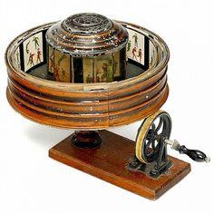 Manually driven praxinoscope, c. 1900.