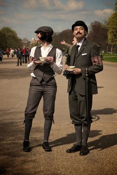 Tweed steampunk | Adorbs-iest, tweed-iest couple at the rugby tweed run