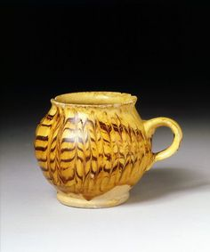 Staffordshire slipware with trailed and combed glaze Ceramic Cups, Ceramic Pottery, English Cup, Art Nouveau, English Pottery, Color Glaze, Pottery Wheel, Earthenware, Stoneware