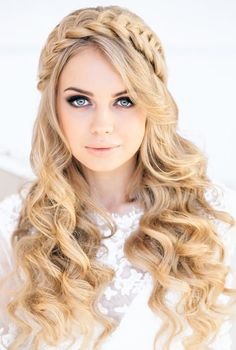 Hair designs for long hair Hair designs for long hair best-wedding-hairstyles-for-long-hair. Cute Hairstyles For School, Open Hairstyles, Wedding Hairstyles For Long Hair, Prom Hairstyles, Hairstyle Ideas, Beautiful Hairstyles, Hair Wedding, Braided Hairstyle, Perfect Hairstyle