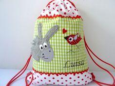 Ein wunderschöner Turnbeutel  passend zu der Kindergartentasche in meinem Shop.  Für den Turnbeutel habe ich festere Baumwollstoffe verwendet.   Der T