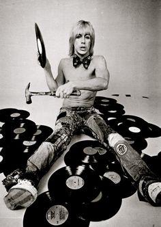 Iggy Pop.. don't let him near your vinyl