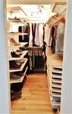 Okay, this is a closet in the real world, and I like it. Elfa closet from Container Store. Pure Style Home: Our New Closet & My Closet Makeover Tips Más Walk In Closet Design, Closet Designs, Small Walk In Closet Ideas, Small Closets, Dream Closets, Elfa Closet, Master Bedroom Closet, Entryway Closet, Rustic Entryway