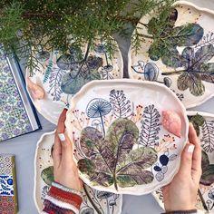 Designer :@shaghayeghaghighi @shohrehhaghighi59 #ceramic#pottery#underglazepainting#iranianartist#shohrehhaghighi#instapottery#instaceramic#iranianceramic#underglaze #underglazes #underglazing#shaghayeghaghighi
