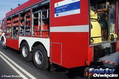 Samochód zapalił się na parkingu #Oświęcim #pożar #samochód #straż #strażacy