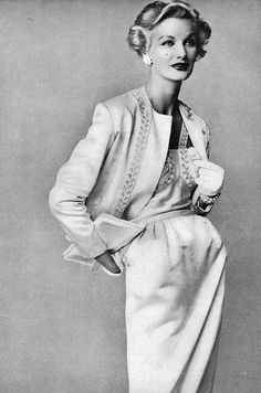 Sunny Harnett - Vogue 1952    Conde Nast Archive