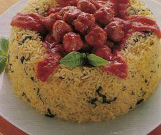 Corona di riso con polpettine.