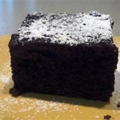 A rich moist chocolate cake, made easily in the slow cooker.