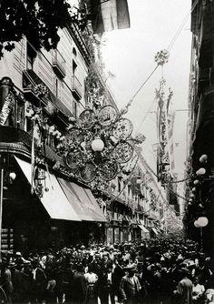 Festes de la Mercè    Decoració del carrer de Ferran per a les festes de la Mercè del 1902.    © Arxiu Fotogràfic de Barcelona