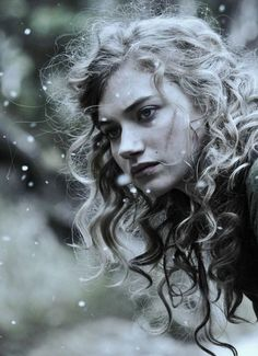 Imogen Poots ! Why are u SO Desirable ? ! I could pin every pic of you , oh and also I loved u In that movie , can't remember it's name but you play the role of a Working Girl .