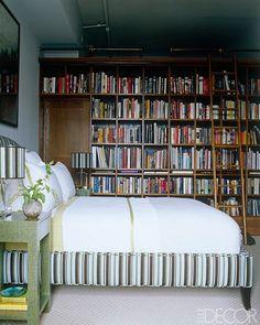 Trendy home library bedroom bookshelf wall Ideas Library Bedroom, Bookshelves In Bedroom, Small Room Bedroom, Bookshelf Wall, Bookcases, Book Shelves, Bedroom Ideas, Soho Apartment, Soho Loft