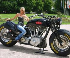 World's Largest Motorcycle Is A Gunbus 410