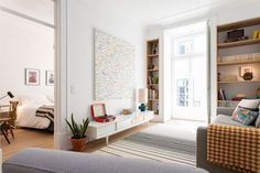 Apartment in Lisboa, Portugal. A little piece of heaven in central Lisbon with all the amenities you would find in a 5-star hotel with a elegant and comfortable atmosphere. The apartment is located in a noble and quiet area in a walking distance of many attractions like S. Jorg...