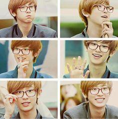 #Chanyeol in glasses = me x_x ♡