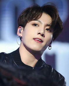 BTS's Maknae Jungkook Is Looking Manlier Than Ever Recently Bts Jungkook, Taehyung, Namjoon, Jung Kook, Foto Bts, Bts Photo, Busan, Jikook, K Pop