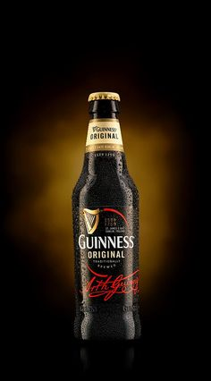 It takes bold brewers to brew bold beers. Brewers prepared to go to lengths that others wouldn't to perfect their craft. Discover Guinness® beer Made of More™. Guinness Advert, Guiness Beer, Beer Games, Irish Drinks, Irish Beer, Dark Beer, Beer Humor, How To Make Beer, Liquor Bottles