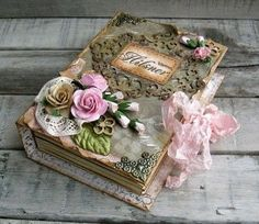 How incredible is this handmade, shabby chic wedding book/keepsake scrapbook Book Crafts, Diy And Crafts, Paper Crafts, Fabric Crafts, Altered Boxes, Altered Art, Mini Albums, Decoupage, Decoration Shabby
