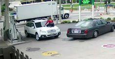 Γυναίκα μετατρέπεται σε… ύαινα όταν προσπαθούν να κλέψουν το τζιπ της Crazynews.gr